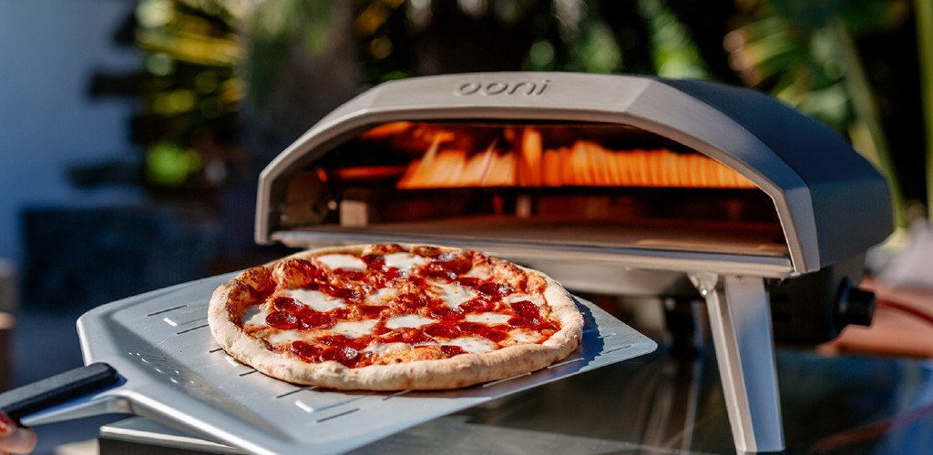 An Ooni Koda pizza oven